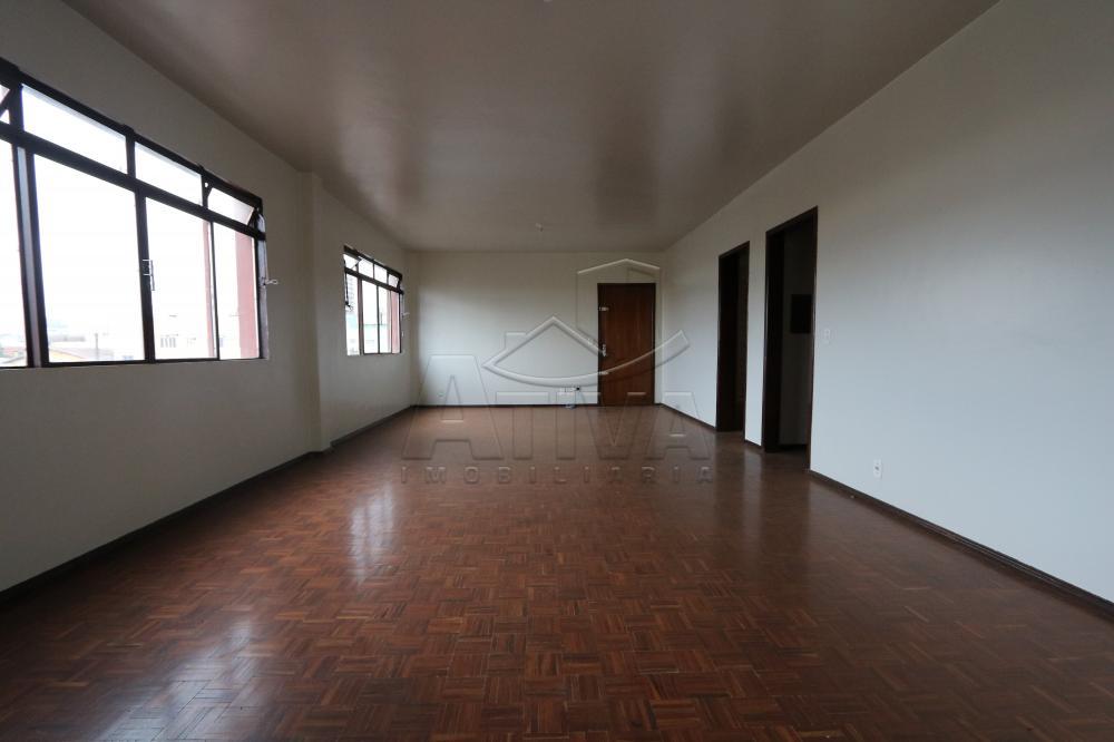 Alugar Apartamento / Padrão em Toledo R$ 750,00 - Foto 7