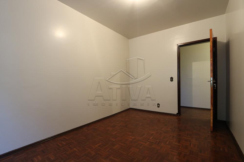 Alugar Apartamento / Padrão em Toledo R$ 750,00 - Foto 16