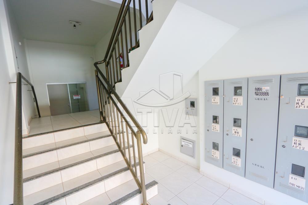 Alugar Apartamento / Padrão em Toledo R$ 750,00 - Foto 4