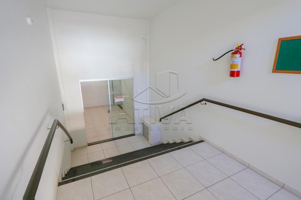 Alugar Apartamento / Padrão em Toledo R$ 750,00 - Foto 5