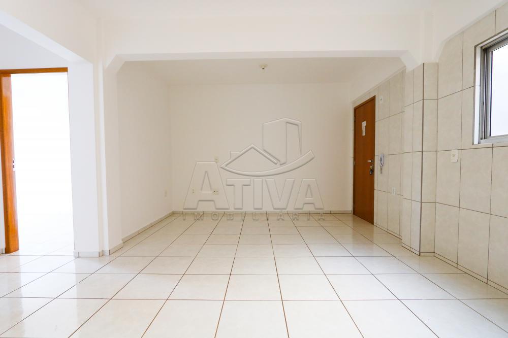 Alugar Apartamento / Padrão em Toledo R$ 750,00 - Foto 12