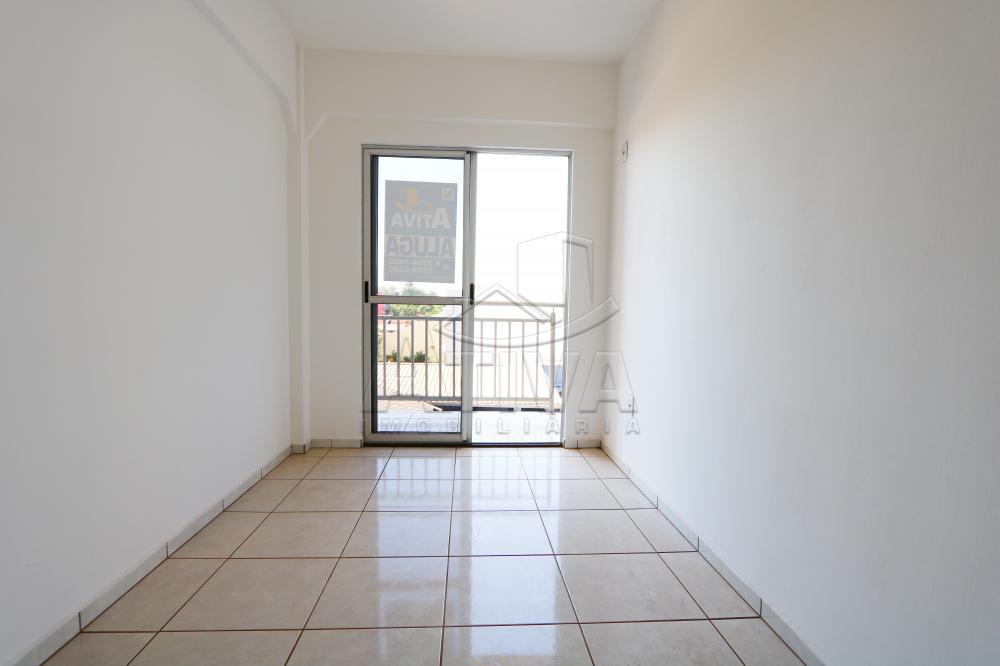 Alugar Apartamento / Padrão em Toledo R$ 750,00 - Foto 18