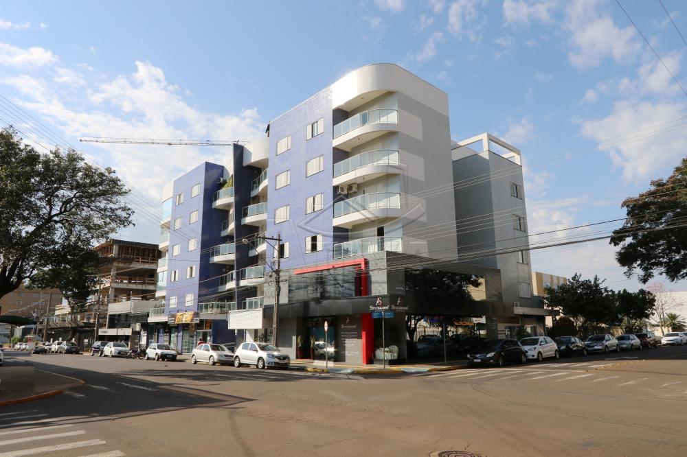 Alugar Apartamento / Padrão em Toledo R$ 1.950,00 - Foto 2