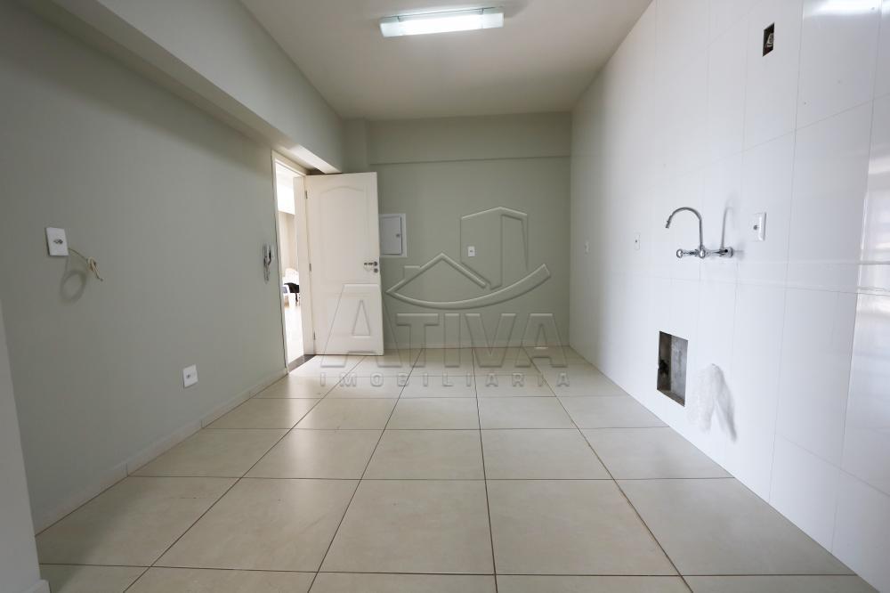 Alugar Apartamento / Padrão em Toledo R$ 1.950,00 - Foto 21