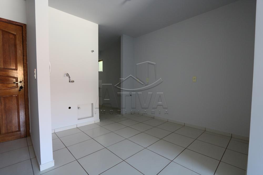 Alugar Apartamento / Padrão em Toledo R$ 990,00 - Foto 15