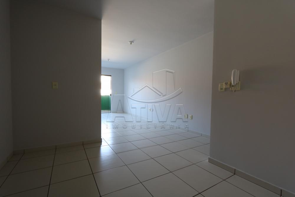 Alugar Apartamento / Padrão em Toledo R$ 990,00 - Foto 16