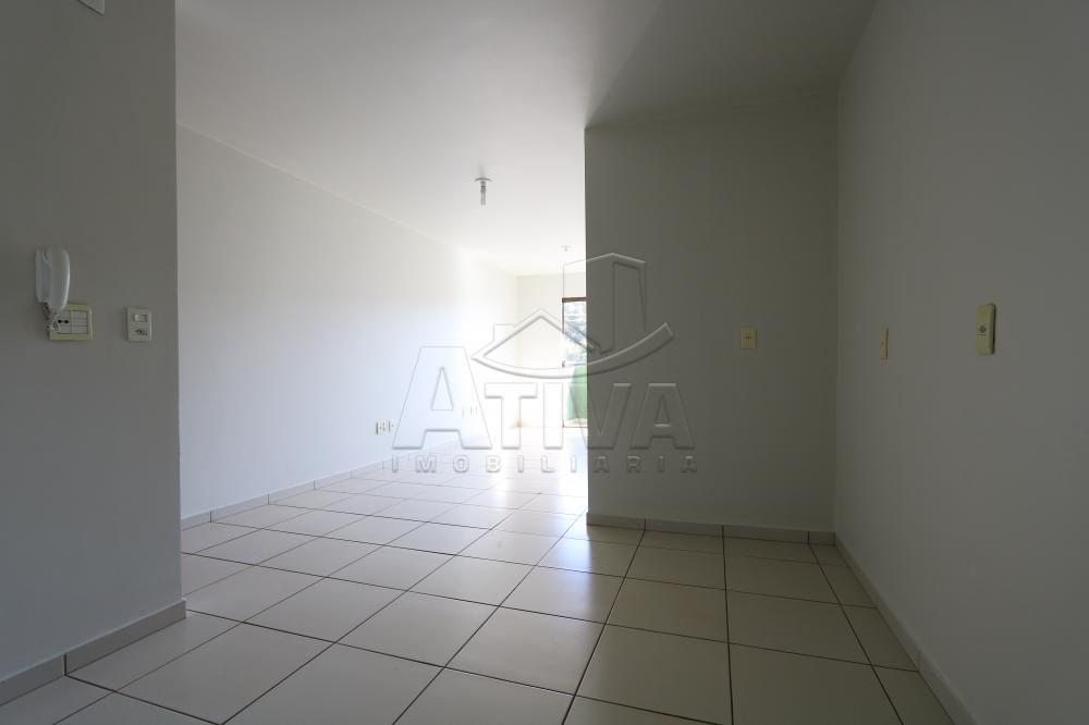 Alugar Apartamento / Padrão em Toledo R$ 990,00 - Foto 29