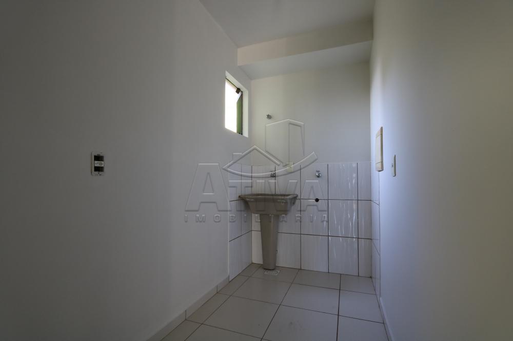 Alugar Apartamento / Padrão em Toledo R$ 990,00 - Foto 30