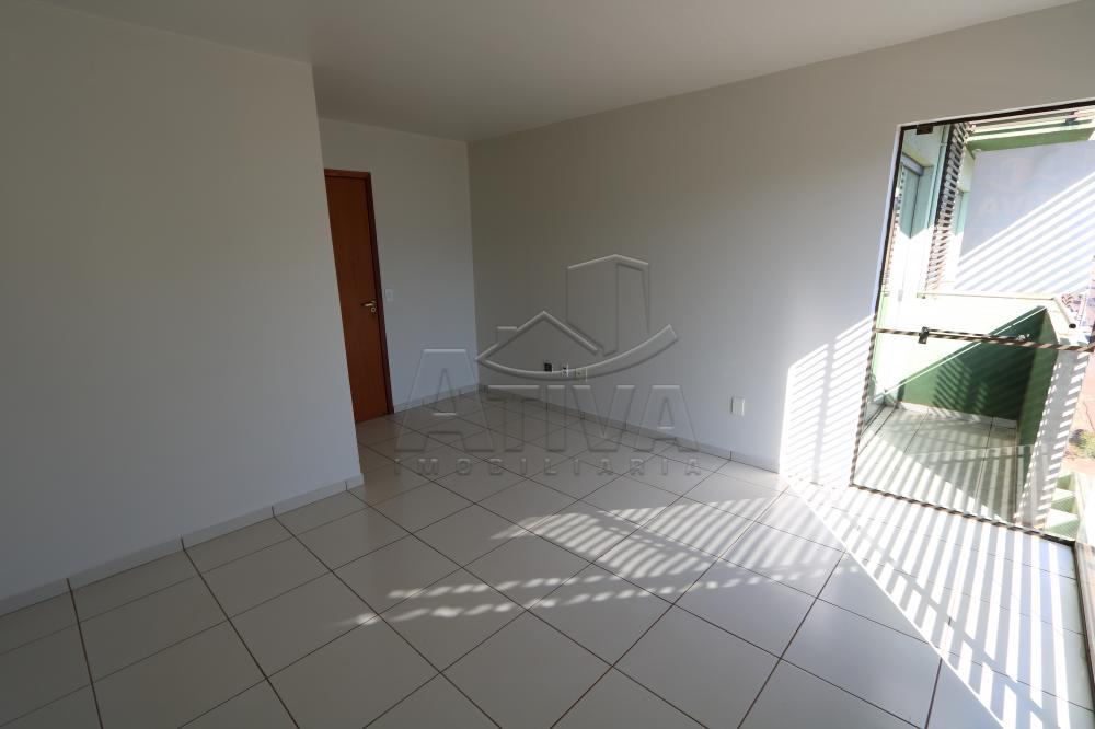 Alugar Apartamento / Padrão em Toledo R$ 990,00 - Foto 35