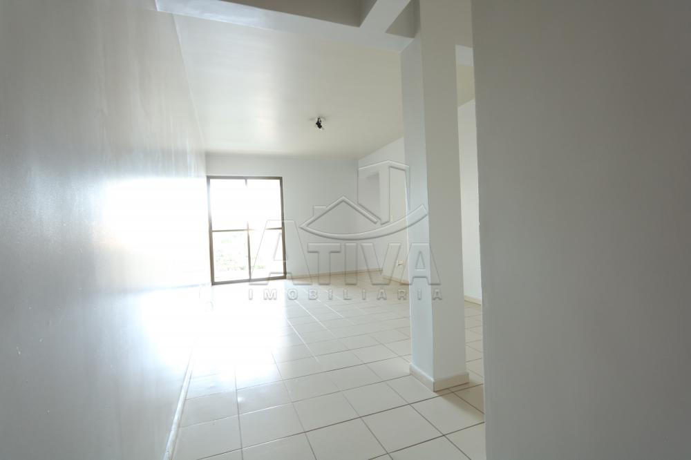 Alugar Apartamento / Padrão em Toledo R$ 1.000,00 - Foto 6