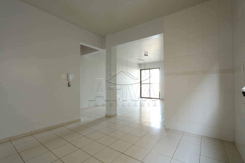 Alugar Apartamento / Padrão em Toledo R$ 1.000,00 - Foto 10