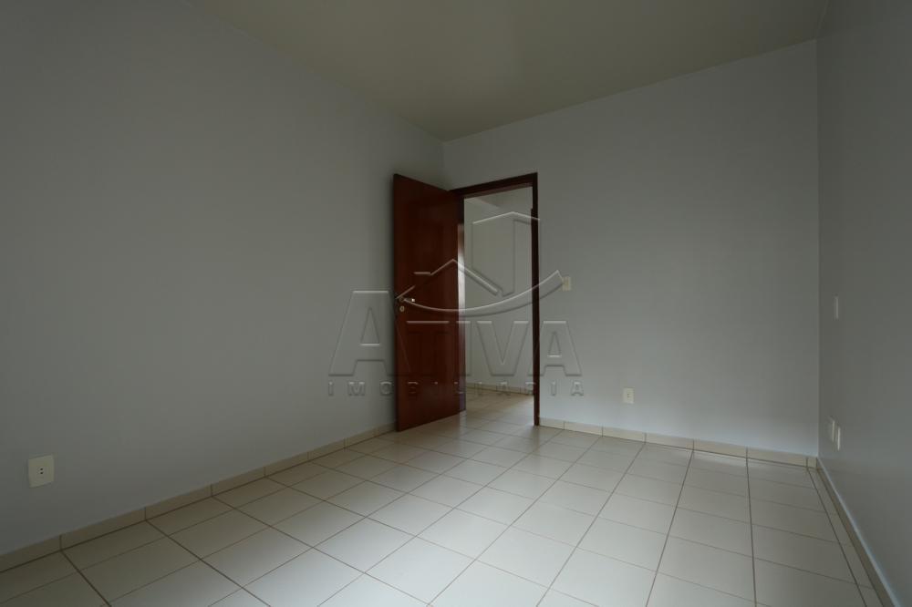Alugar Apartamento / Padrão em Toledo R$ 1.000,00 - Foto 17