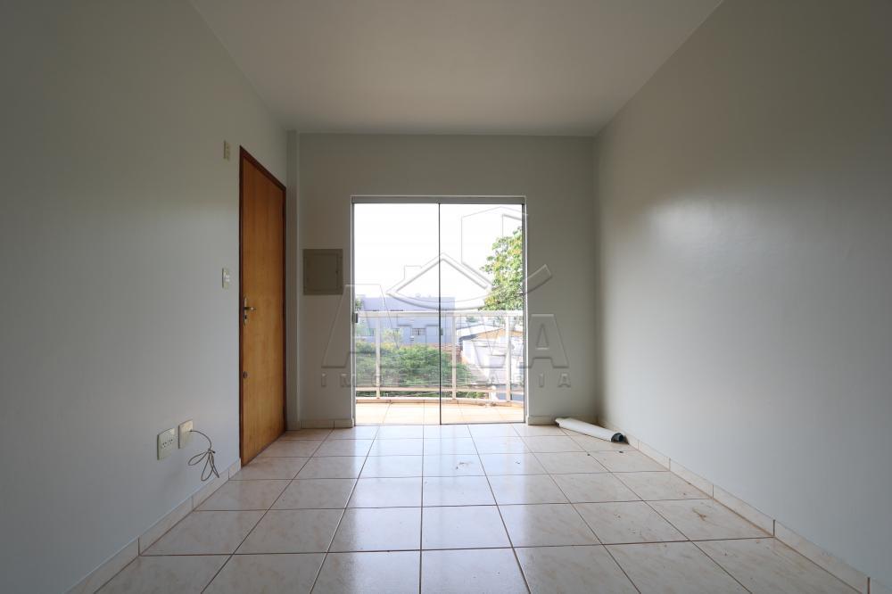 Alugar Apartamento / Padrão em Toledo R$ 950,00 - Foto 11