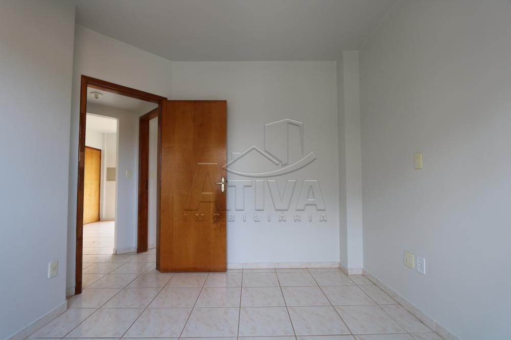 Alugar Apartamento / Padrão em Toledo R$ 950,00 - Foto 21