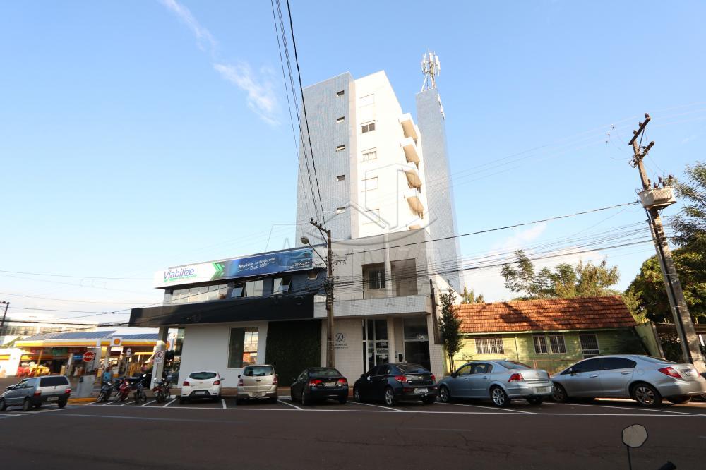 Alugar Apartamento / Padrão em Toledo R$ 2.500,00 - Foto 1
