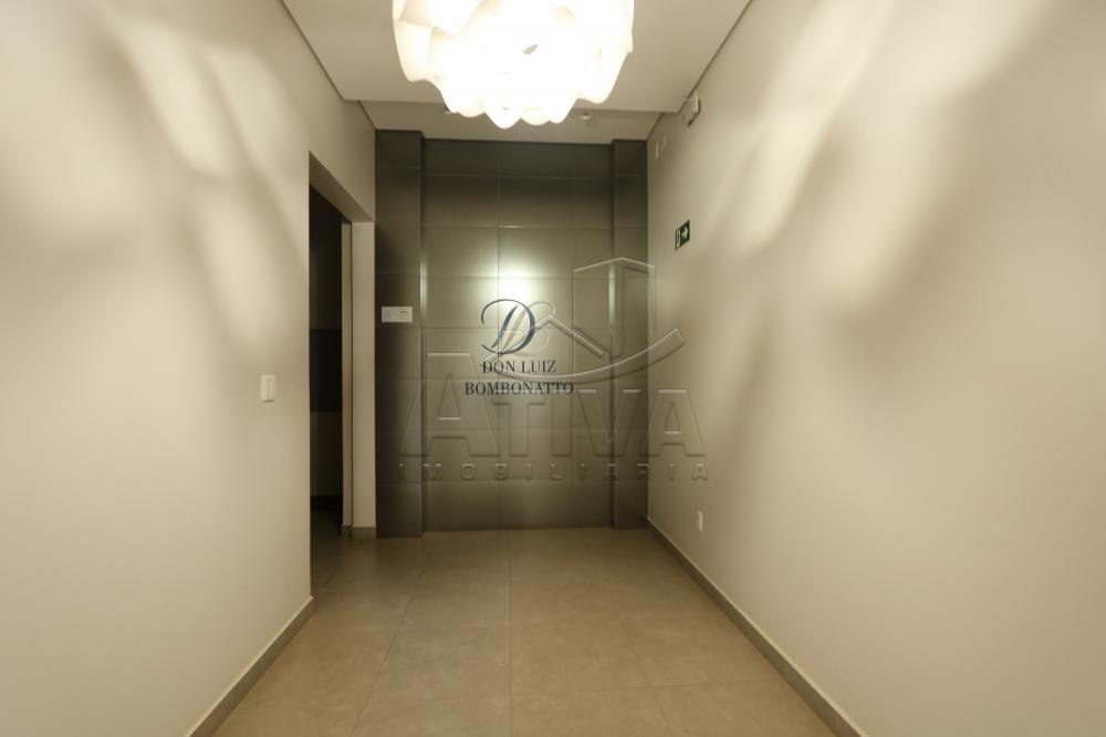 Alugar Apartamento / Padrão em Toledo R$ 2.500,00 - Foto 3