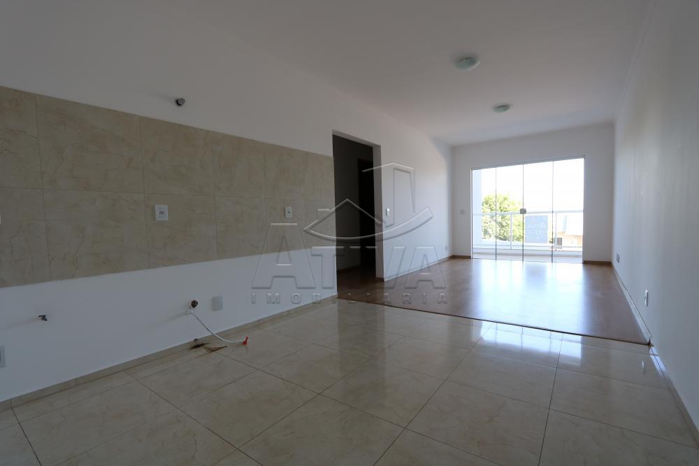 Alugar Apartamento / Padrão em Toledo R$ 1.100,00 - Foto 7