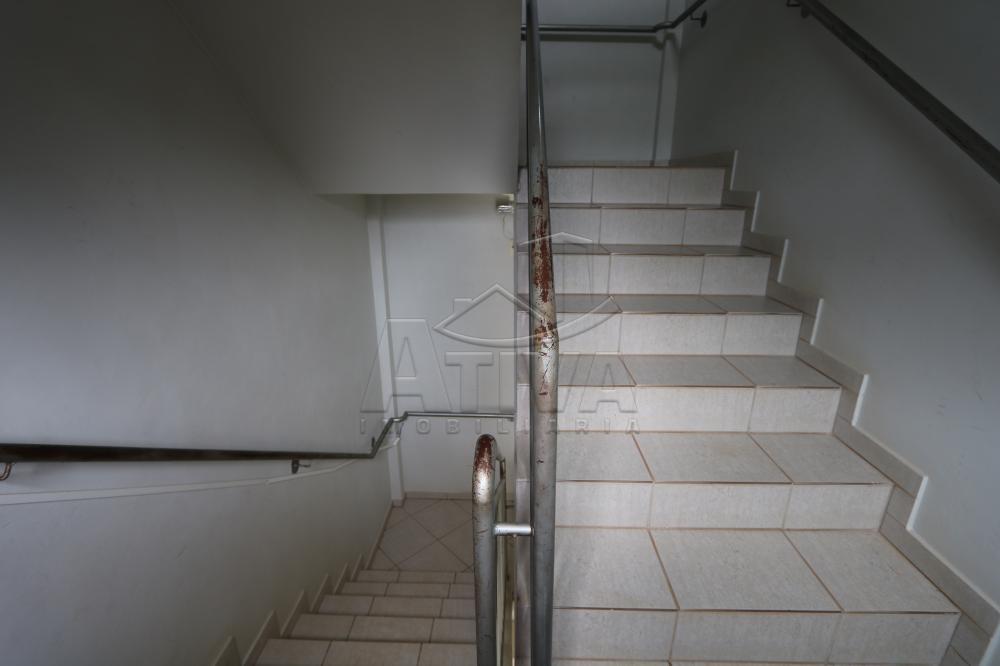 Alugar Apartamento / Padrão em Toledo R$ 950,00 - Foto 26
