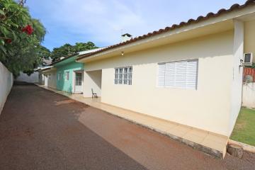 Casa / Condomínio em Toledo Alugar por R$700,00