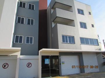 Apartamento / Padrão em Toledo Alugar por R$950,00