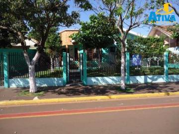 Alugar Casa / Padrão em Toledo. apenas R$ 600.000,00