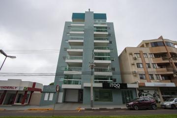 Apartamento / Padrão em Toledo , Comprar por R$750.000,00