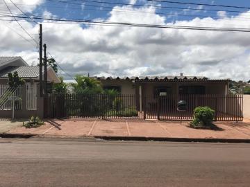 Alugar Casa / Padrão em Toledo. apenas R$ 500.000,00