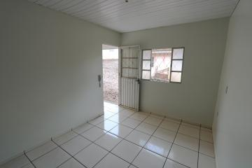 Alugar Casa / Condomínio em Toledo R$ 620,00 - Foto 5