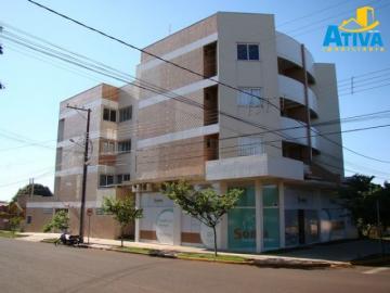 Apartamento / Padrão em Toledo Alugar por R$980,00