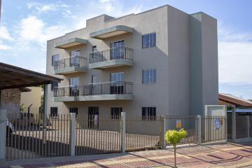 Apartamento / Padrão em Toledo Alugar por R$680,00