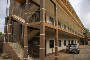 Alugar Apartamento / Padrão em Toledo. apenas R$ 550,00