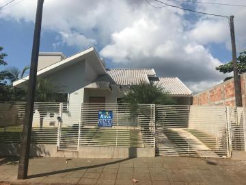 Alugar Casa / Padrão em Toledo. apenas R$ 850.000,00