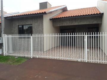 Alugar Casa / Padrão em Toledo. apenas R$ 600,00