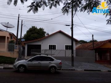 Casa / Padrão em Toledo Alugar por R$1.100,00