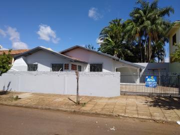 Casa / Padrão em Toledo Alugar por R$1.200,00