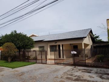 Alugar Casa / Padrão em Toledo. apenas R$ 426.000,00