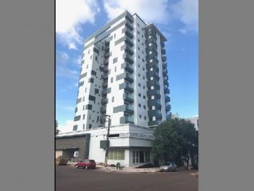 Apartamento / Padrão em Toledo Alugar por R$2.400,00