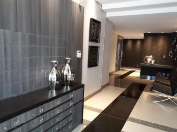 Apartamento / Padrão em Toledo Alugar por R$2.200,00