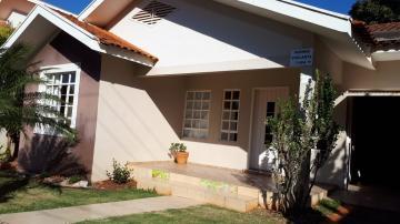 Alugar Casa / Padrão em Toledo. apenas R$ 1.200.000,00