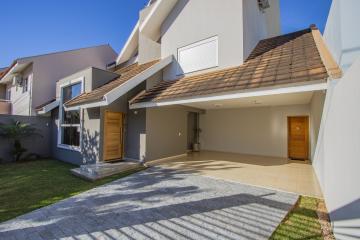 Casa / Sobrado Triplex em Toledo , Comprar por R$1.090.000,00
