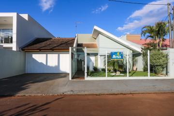 Casa / Padrão em Toledo , Comprar por R$840.000,00