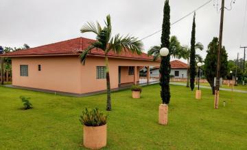 Alugar Casa / Padrão em Toledo. apenas R$ 750.000,00