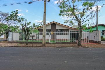 Alugar Casa / Padrão em Toledo. apenas R$ 650.000,00