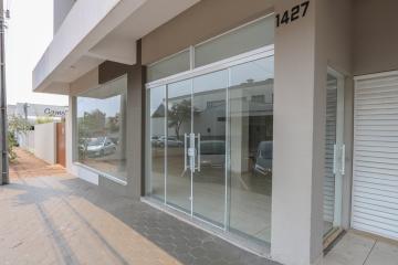 Comercial / Sala em Condomínio em Toledo Alugar por R$2.500,00