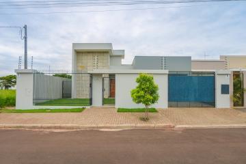 Casa / Padrão em Toledo , Comprar por R$820.000,00
