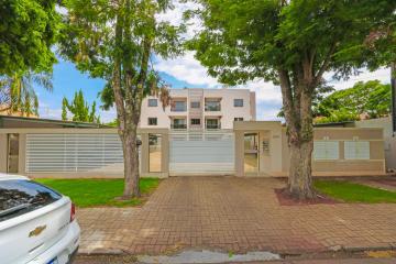 Apartamento / Padrão em Toledo Alugar por R$1.100,00