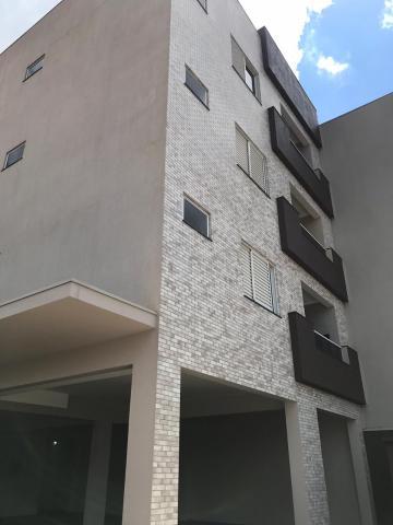Apartamento / Padrão em Toledo , Comprar por R$380.000,00
