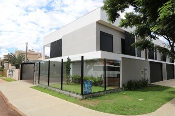Alugar Casa / Sobrado em Toledo. apenas R$ 493.000,00
