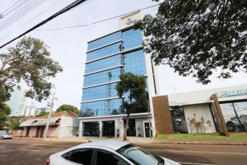 Toledo Centro Comercial Locacao R$ 4.000,00 Condominio R$150,00  1 Vaga Area construida 185.11m2