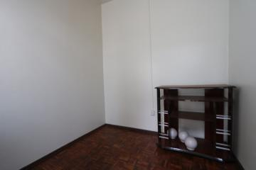 Alugar Apartamento / Padrão em Toledo R$ 750,00 - Foto 13